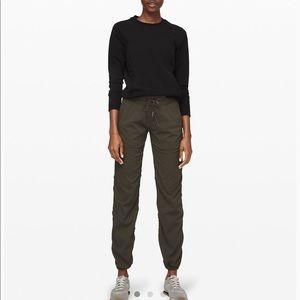 lululemon athletica  Women Size 6 Dark Olive Green